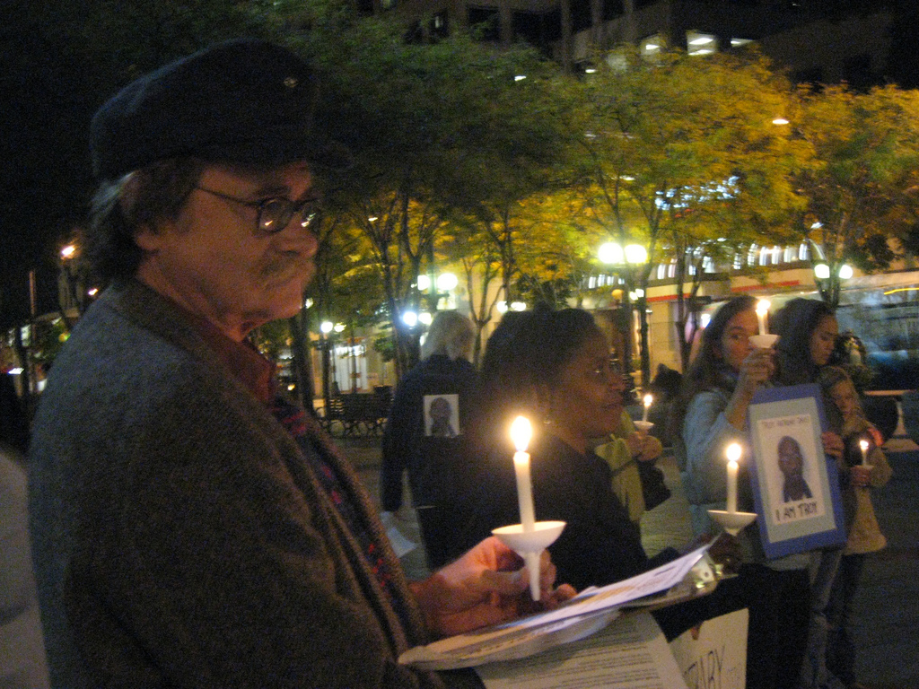 Vigil for Troy Davis at Westlake - October 23, 2008